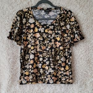 Lord & Taylor Medium floral Tee with Fluttery Sleeve